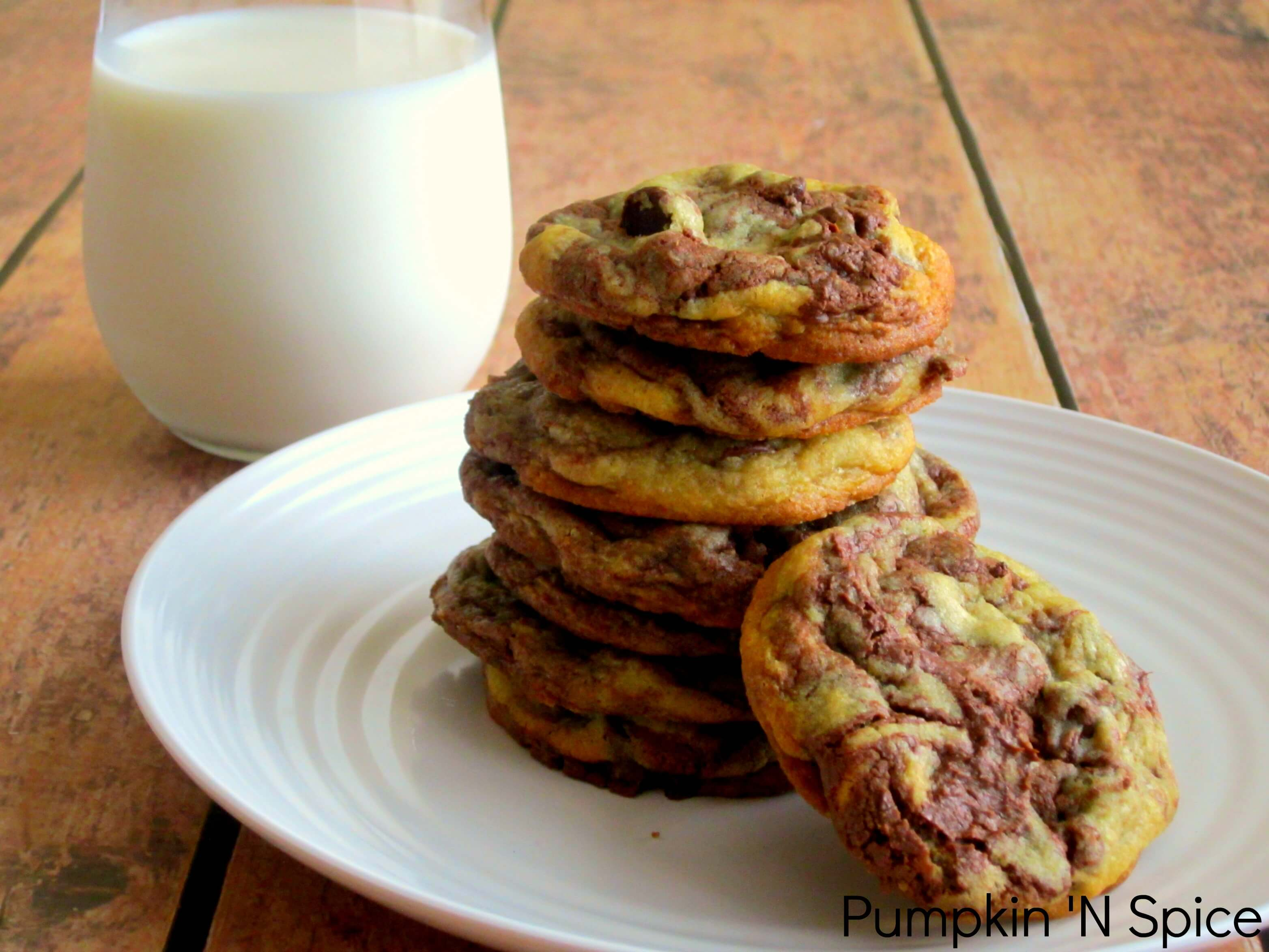 Nutella Stuffed Chocolate Chip Cookies - Pumpkin 'N Spice