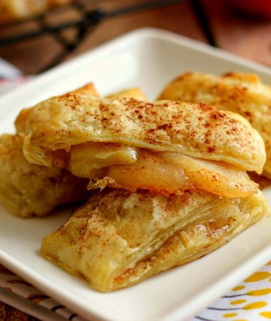 These Easy Apple Pie Croissants taste just like apple pie, but without all of the work!