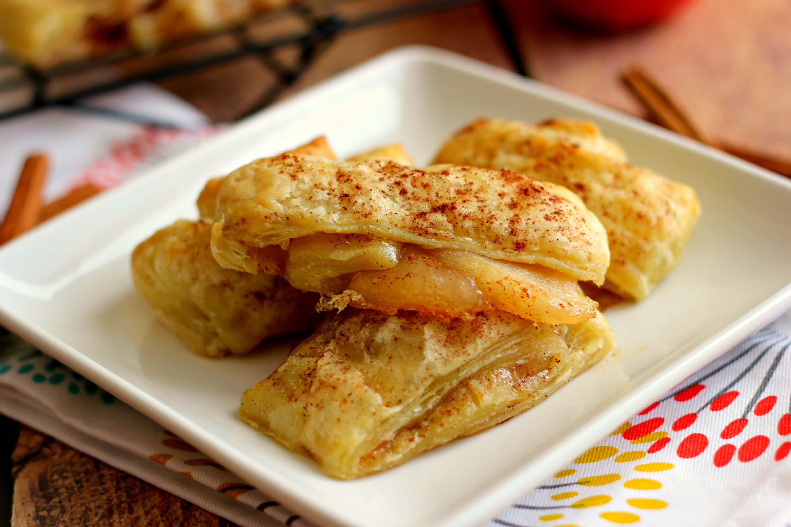 Easy Apple Pie Croissants - Pumpkin 'N Spice