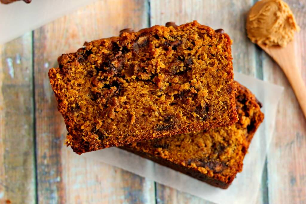 This Pumpkin Peanut Butter Spice Bread is filled with a warm pumpkin flavor, chocolate, and peanut butter. It's a true pumpkin peanut butter dream!