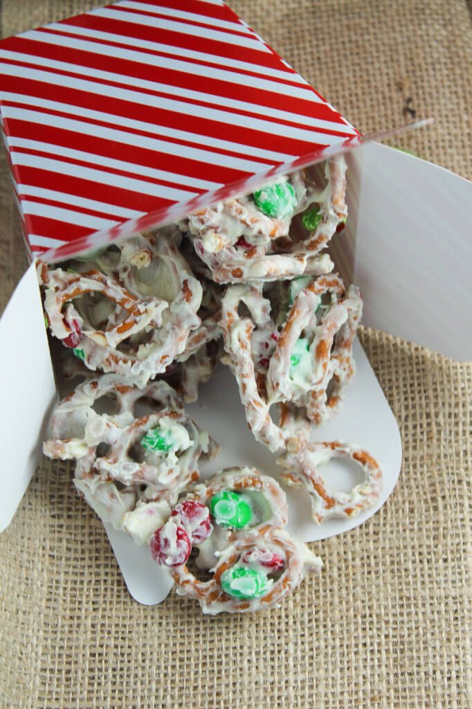 White-Chocolate-Pretzel-Brittle-Bites-of-Bri-682x1024