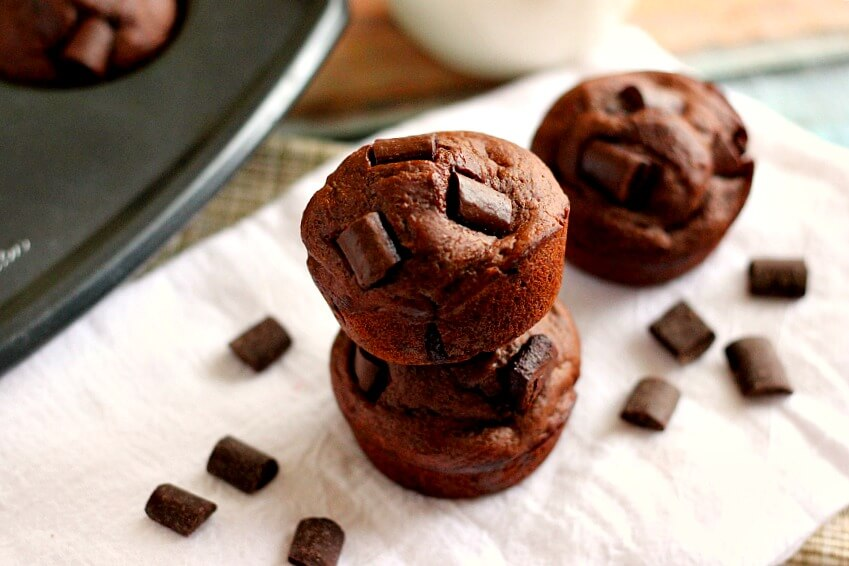 These Double Chocolate Chunk Muffins are the cure for any chocolate ...