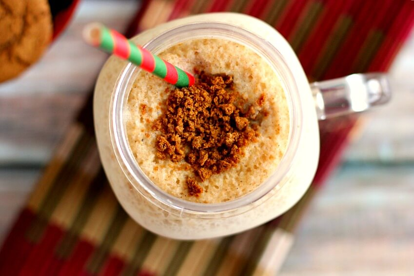Filled with healthy ingredients and a classic gingerbread flavor, this Gingerbread Smoothie is creamy, delicious, and perfect for the holidays.