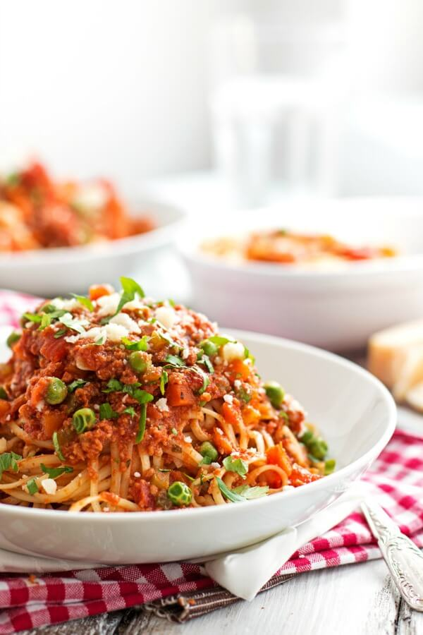 Slow-Cooker-Sausage-Pasta-Sauce-cheap-budget-quick-easy-family-recipe-3