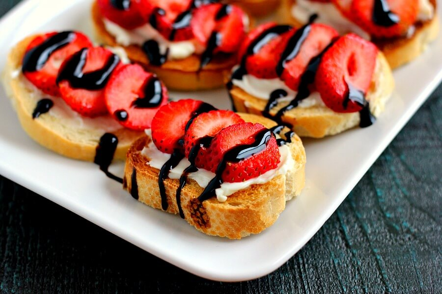 Strawberry And Brie Crostini Pumpkin N Spice