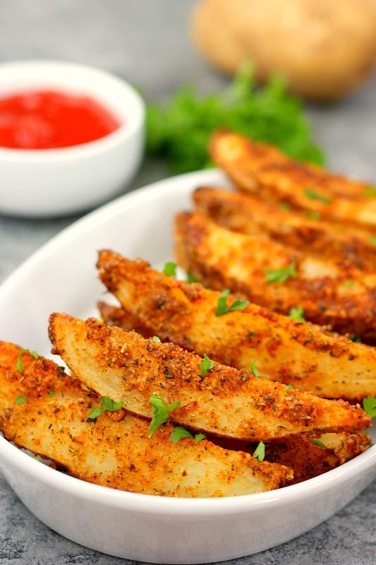 Baked Garlic Parmesan Potato Wedges - Pumpkin 'N Spice