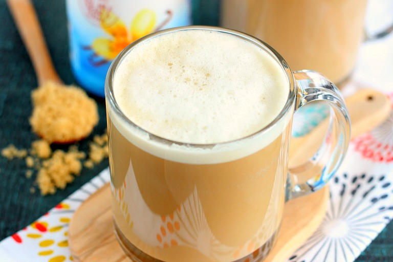 Packed with hints of brown sugar, smooth vanilla and a bold flavor, this Brown Sugar Vanilla Latte is easy to make and perfect for coffee lovers. This latte is a fraction of the calories found in your local coffee shop and so delicious, too!