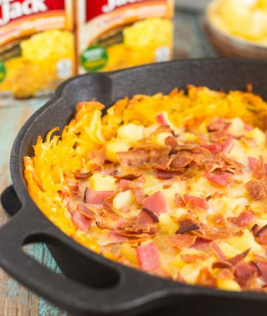 Put a spin on pizza night with hashbrowns for dinner! This Hawaiian Pizza with Hashbrown Crust features a cheesy, crispy hashbrown crust that's loaded with two types of meat, pineapple chunks, and melted, mozzarella cheese. Easy to make and full of flavor, this pizza will be your new favorite dish!