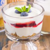 Blueberry Cheesecake Breakfast Parfait