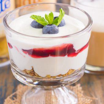 Blueberry Cheesecake Breakfast Parfait