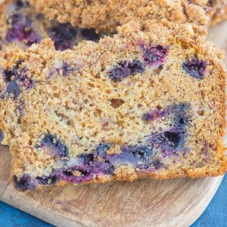 Cinnamon Streusel Blueberry Banana Bread {Plus a Video!}
