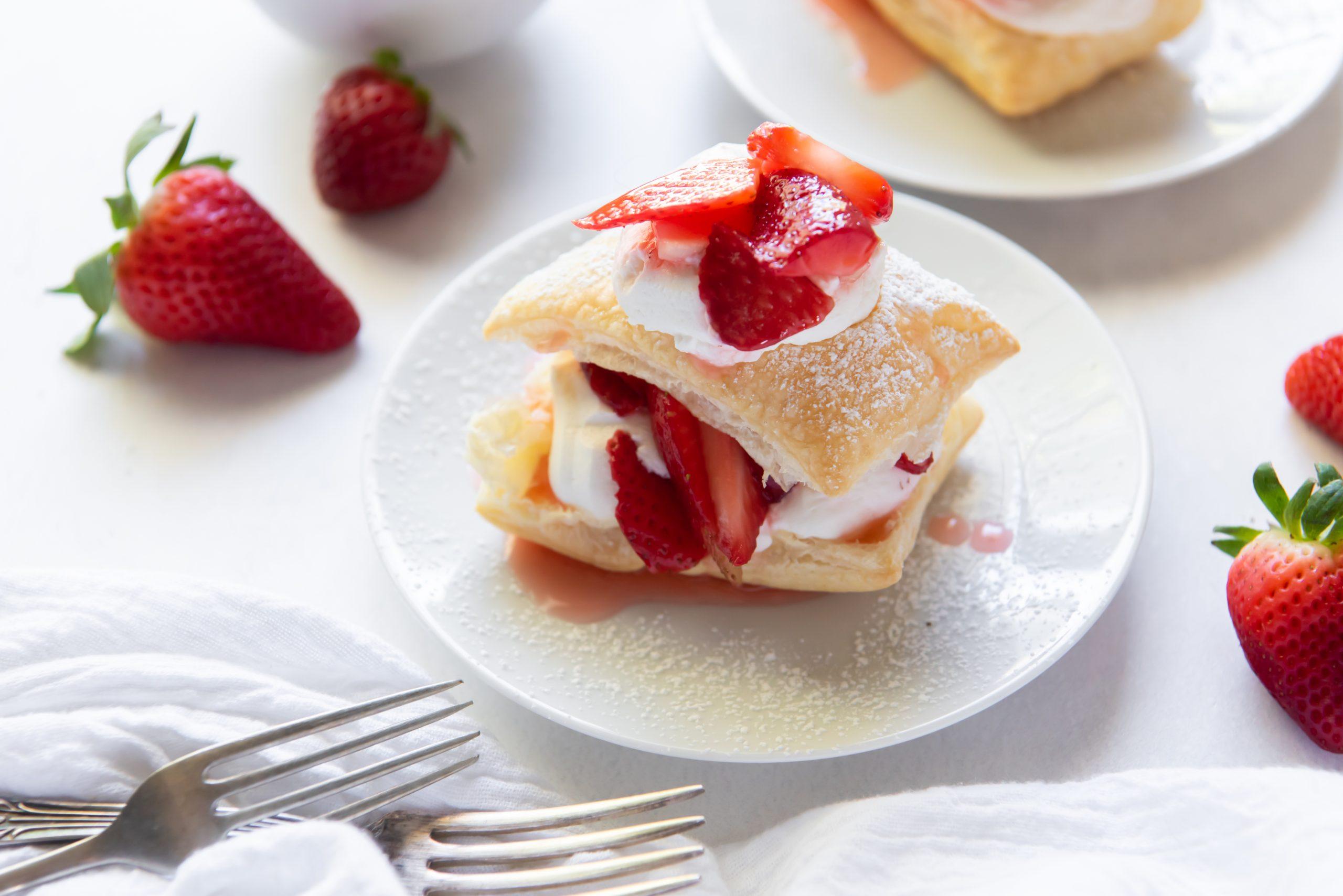 shortcake on a white platte